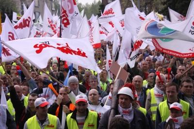 """Tauron: """"Nie"""" dla transformacji kosztem pracowników"""